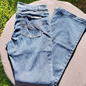 White House/Black Market bootcut jeans 14R